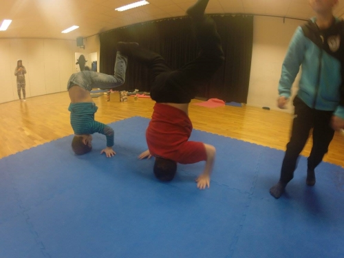 lokal dominatrix dansa nära Halmstad